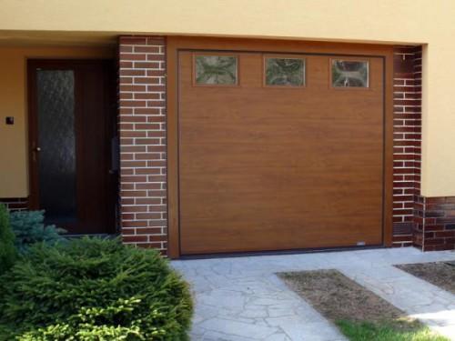 Sekční garážová vrata EVO, zdroj: almma.cz