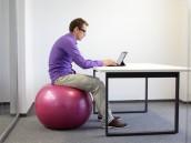 Gymnastický míč jako alternativa, zdroj: shutterstock.com