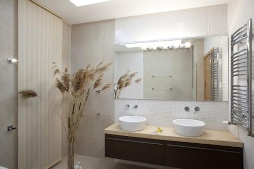 Světlé obklady místnost rozjasní, zdroj: shutterstock.com